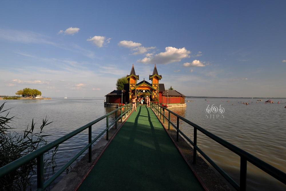 molo w Keszthely, zabytkowe drewniane, najpiękniejsze nad Balatonem,