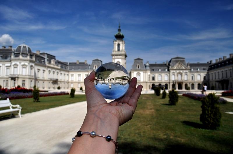 Wizytówka Keszthely - Pałac Festeticsów - Helikon Museum, szklana kula - zdjęcia, glassballphotography